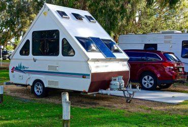 RV車 370x250 - 2019年のRVとキャンプ業界のトレンド